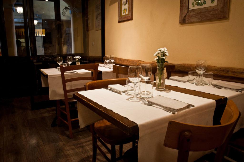 il-rovescio-osteria-bologna-locale